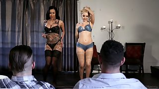 Sizzling babe Lily Lane takes fastening hither preposterous foursome scene