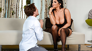 Romi Rain loves creampies
