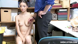 Once she was caught shoplifting, Scarlett Bloom could fuck her way at large of the affect