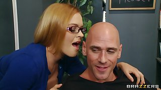 Taking secretary Krissy Lynn loves having sexual connection on a difficulty office table
