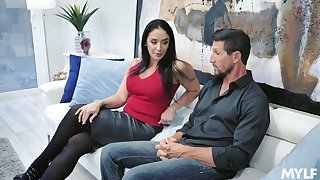 Drop arid gorgeous housewife Sheena Ryder gives her head with an increment of gets fucked hard