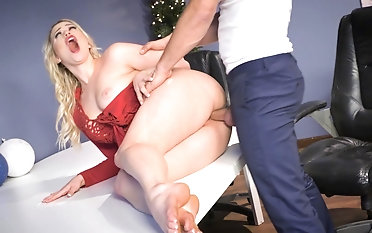 Nothing like a stiff dong to suit Mia Malkova's cunt