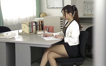 Sexy upskirt with Kurea Hasumi who has her coochie dicked deep