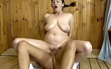 Ugly old hooker with saggy boobs Marge provides bald scrounger with a BJ
