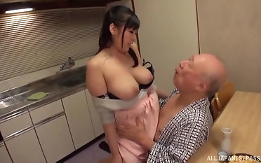 Honcho Nonami Shizuka pleases an old suppliant by playing with his dick